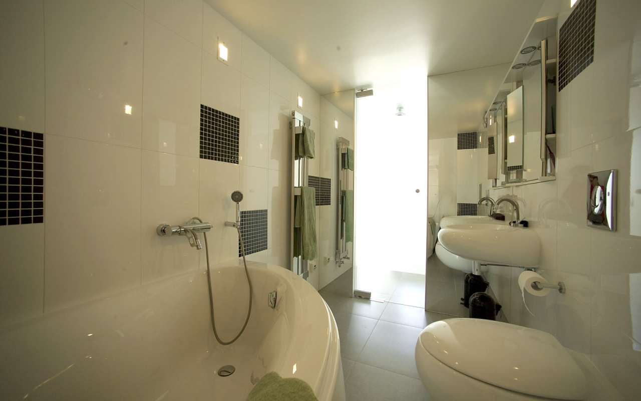 Ensuite bathroom TheLuxLoft Liepaja